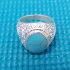 Mens Turquoise Ring.  Beautiful Piece!